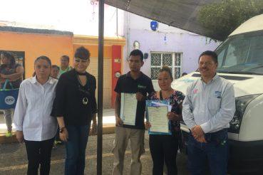 LLEVAN TRÁMITES Y SERVICIOS A COMUNIDADES