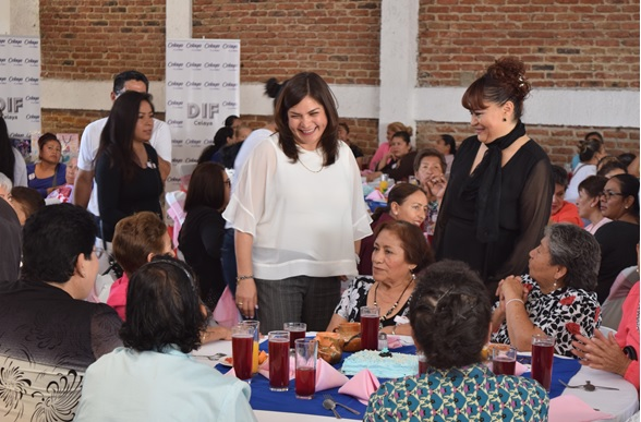 RECONOCEN A FORJADORAS DE FAMILIAS FELICES Y CON VALORES